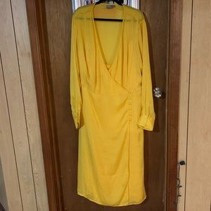 Yellow midi dress!